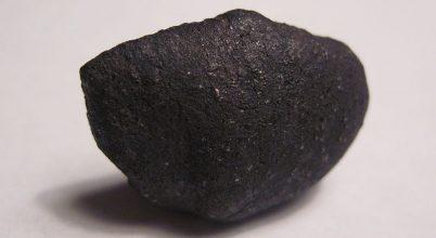A Naprendszer hajnaláról származó meteoritot találtak