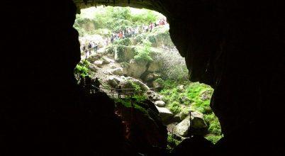 Tudományos célból 15 önkéntes elvonul egy barlangba