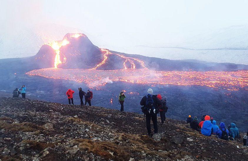 Élőben nézhetjük az izlandi vulkánkitörést