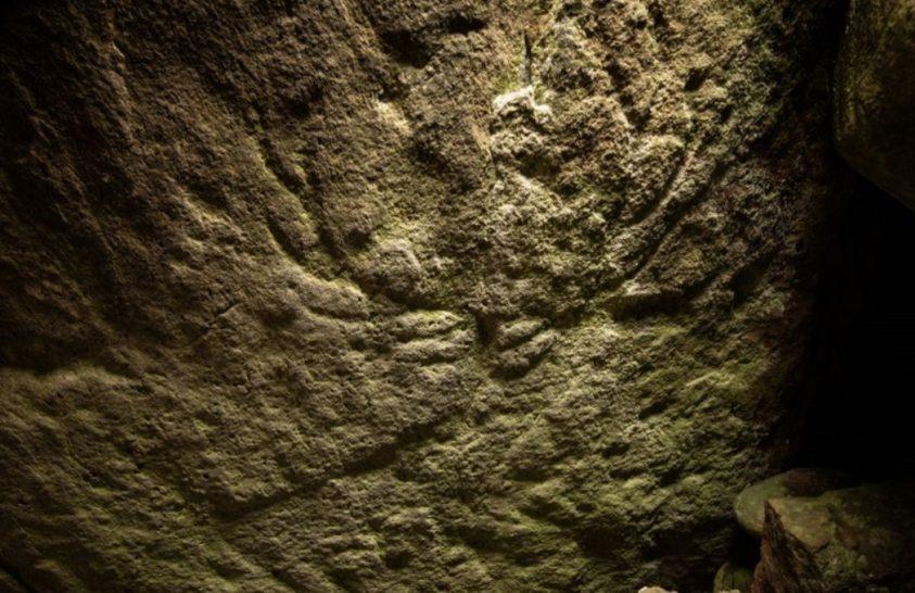 Ősi vésetet találtak egy Skóciai sziklában