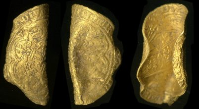 Ritka középkori érméket talált egy amatőr kincsvadász