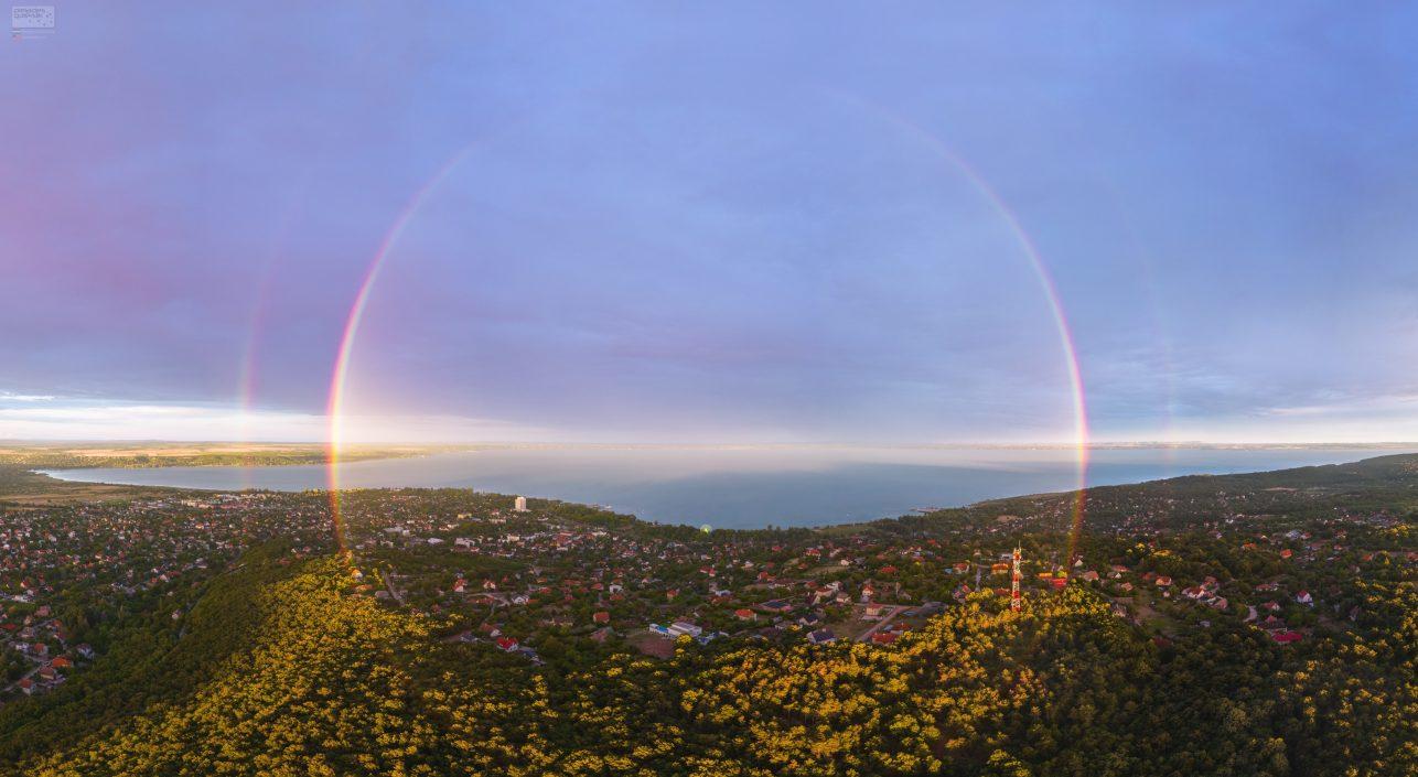 A nap képe: Balatonalmádi kettős szivárvány