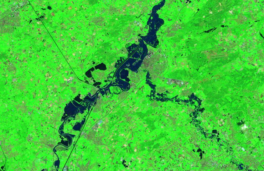 Egyre több lakott területet fenyeget az árvíz