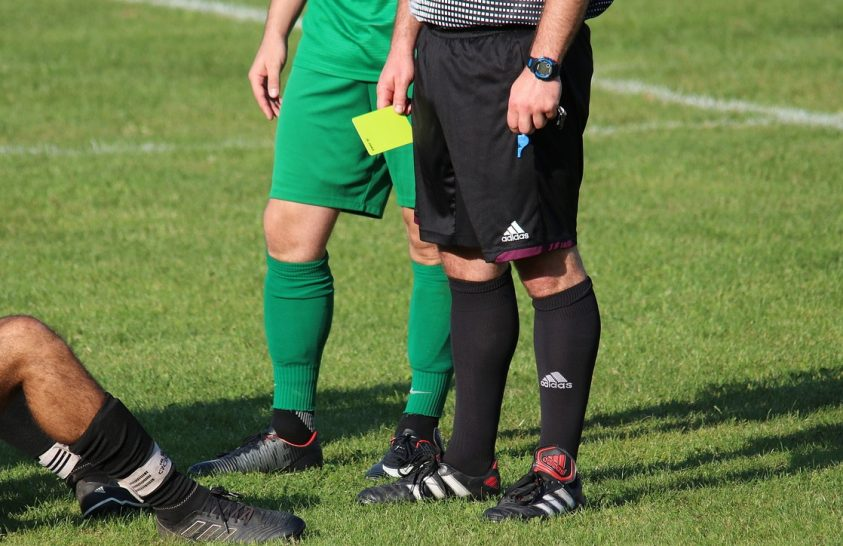 A járvány a focibírók ítéleteire is hatott