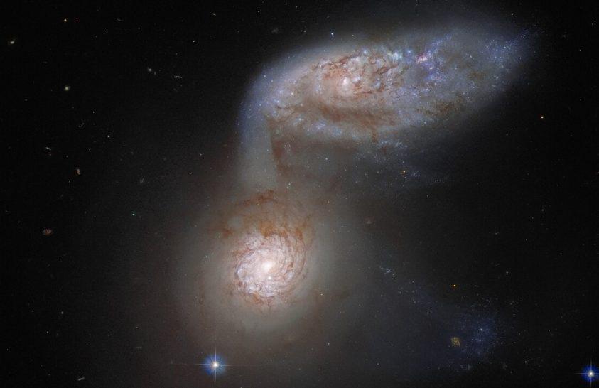 Birkózó galaxisokat fotózott a Hubble