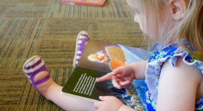 Hogyan tanulnak szavakat a kisgyerekek?